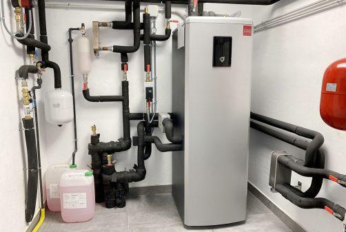 Instalación límpia y odenada de una máquina de geotermia Atlas 18 en